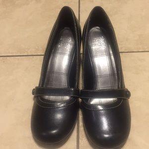 SALES Studio 1940 Shoes